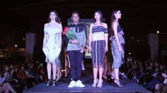 Desainer Tuna Rungu Ini Wakili Indonesia di El Paso Fashion Week