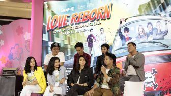 Love Reborn, Film Drama Komedi Anak Band vs Komikus