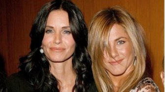 Courteney Cox Nikah, Jennifer Aniston Jadi Pengiring Pengantin