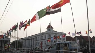 Bendera Asian Games 2018 di Kota Tua