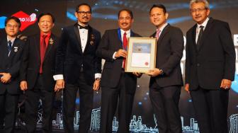 Wow, Menpar Raih AFEO Distinguished Honorary Fellow di Singapura