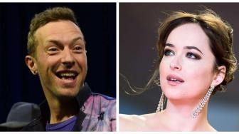 Chris Martin dan Dakota Johnson Segera Bertunangan