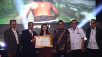 Livi Zheng Raih Penghargaan Tourism Marketeer of Year 2019