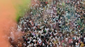 Warna-Warni Festival Holi India