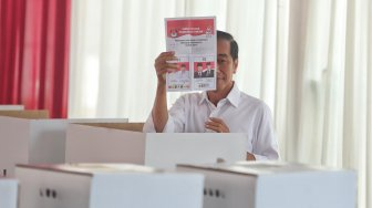Quick Count Poltracking Indonesia: Jokowi - Ma'ruf Unggul 56,36 Persen