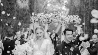 Fakta Menarik di Balik Gaun Pengantin Mewah Sophie Turner