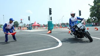 AHM Kuatkan Skill Instruktur Safety Riding Honda