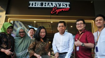 Nikmatnya Gurih Manis Coconut Caffe Latte di The Harvest Express