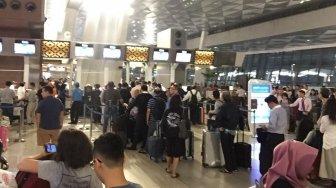 Sistem IT T3 Soetta Bermasalah, Penumpang Membludak di Counter Check-in