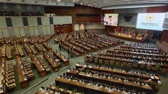 Rakyat Susah karena Corona, Anggota DPR Justru Dikasih Uang Beli Mobil