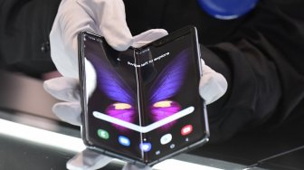 Samsung Galaxy Fold 2 Punya Fitur Super Fast Charging ?