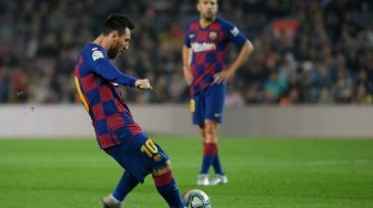 Barcelona Bantai Real Valladolid, Lenglet: Messi Sulit Dihentikan