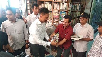 KPJ Bersama Polda DIY Sita Buku Bajakan di Shopping Center