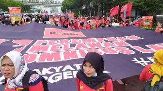 Woman International Day, Massa Buruh dan Perempuan Long March ke Istana