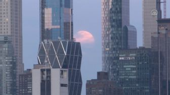Penampakan Supermoon di New York