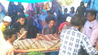 Dibanting hingga Diinjak-injak, Aksi Sadis Rahmadsyah Bunuh 2 Anak Tiri
