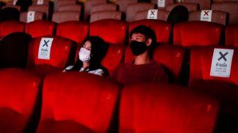 Viral Remaja Kegep Ciuman di Bioskop: Mereka Bercumbu Sejak Film Mulai