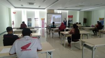 Dealer Honda Manado Gelar Safety Riding, Terapkan Physical Distancing