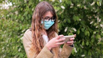 Selain Masker, Ahli Penyakit Menular AS Sarankan Pemakaian Kacamata
