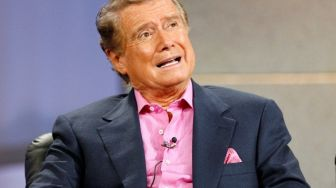 Regis Philbin Pembawa Acara Who Wants to be a Millionaire Meninggal Dunia
