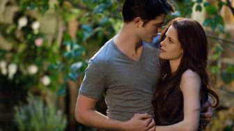 Sinopsis Film The Twilight Saga Breaking Dawn Part 2, Tayang Malam Ini