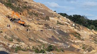 Bukit Sambung Giri Kritis Akibat Tambang, PT Timah Sebut Penambangan Ilegal