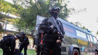 Densus 88 Amankan Terduga Teroris Siswanto di Nguter Sukoharjo