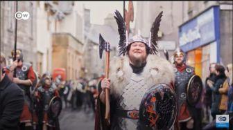 Meriahnya Perayaan Festival Api Peninggalan Bangsa Viking di Inggris