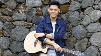 Bagas HP Tegaskan Idealisme di Lagu Stay Here Love