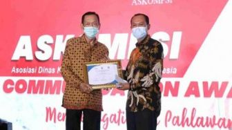 Harnojoyo Raih Penghargaan Communication Award