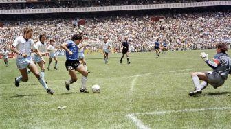 Jersey Maradona saat Cetak Gol Tangan Tuhan Dijual, Segini Harganya