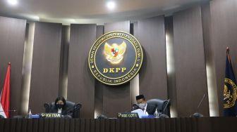 DKPP Pecat Abdul Latif Idris Sebagai Ketua Bawaslu Kabupaten Luwu