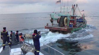 Ilegal Fishing, KKP Tangkap 2 Kapal Berbendera Malaysia di Selat Malaka