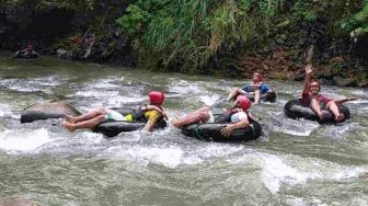 Sedekan River Tubing Ciamis, Best Floating Experience You could Have