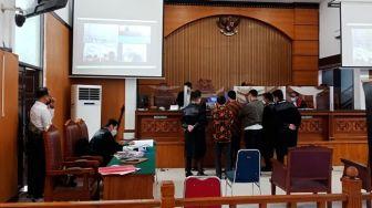 Keluarga Gus Nur Dikeluarkan dari Ruang Sidang karena Interupsi Hakim