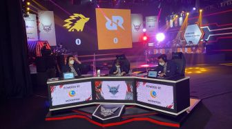 ONIC Menang Atas RRQ Hoshi di Laga Perdana The Royal Derby MPL Season 7