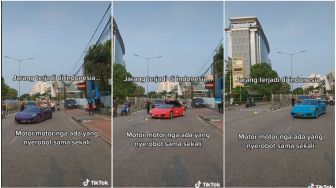 Viral Kendaraan Sopan Waktu Supercar Lewat, Senggol Dikit Auto Jual Ginjal