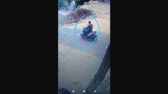 Terekam CCTV, Pencari Rumput Kembali Jadi Korban Curanmor
