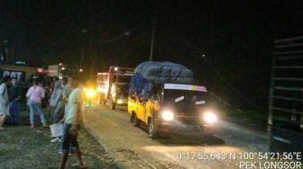 Sempat Tertutup Longsor, Jalan Lintas Riau-Sumbar Kembali Normal
