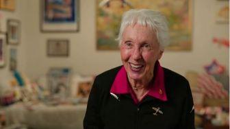 Umurnya 82 Tahun, Ini Sosok Pilot Wanita yang Diajak Jeff Bezos ke Luar Angkasa