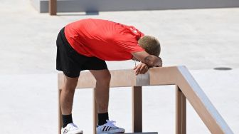Ngilu, Kelamin Atlet Skateboard Olimpiade Hantam Tiang usai Hilang Keseimbangan