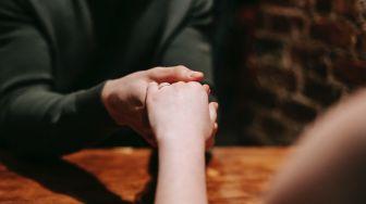 Pasangan Ini Sudah Tunangan tapi Nggak Nikah-Nikah, Alasannya Jadi Sorotan