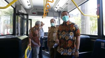Wali Kota Semarang Uji Coba Bus Listrik MAB