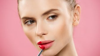Simpel dan Chic, Ini 4 Contoh Ombre Lipstik ala Beauty Influencer Nathanie Christy