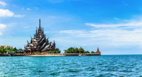 Menyibak Kemegahan Kuil Sanctuary of Truth di Pattaya Thailand