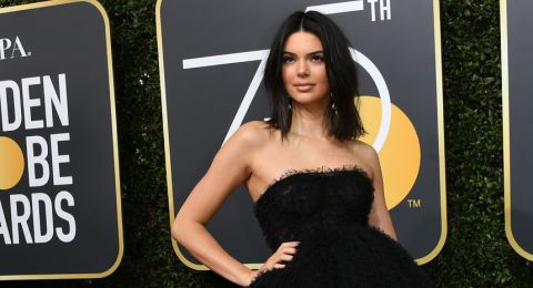 Kendall Jenner saat menghadiri Golden Globe Awards, Beverly Hills, California, 7 Januari 2018 [AFP]