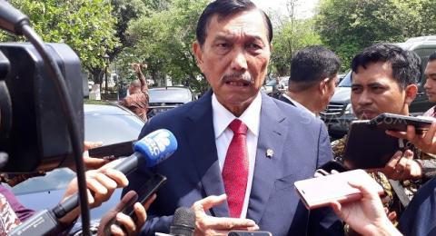 Insiden Wiranto Diserang, Kantor Menteri Luhut Dijaga Ketat Pria Kekar