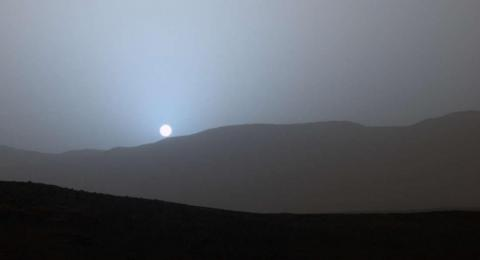 Sunset Mars berwarna biru. (NASA)