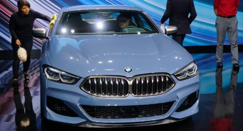 BMW dan Mercedes-Benz Turunkan Harga di China