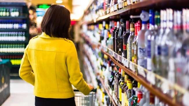 Ilustrasi konsumen di supermarket (Shutterstock)